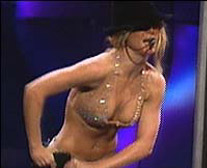 Britney Spears Nearly Nude, Britney's Bra and clevage